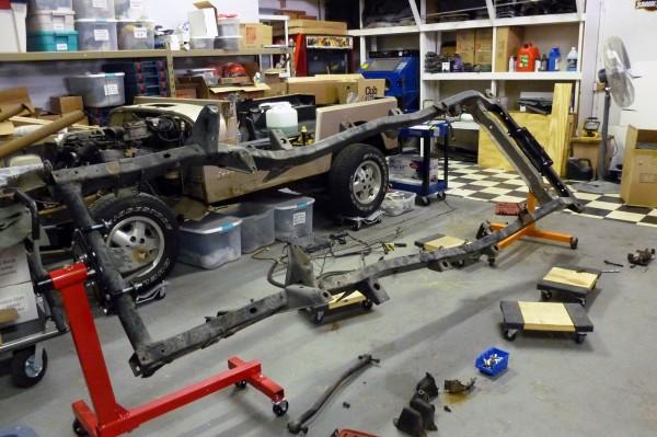 Jeep-Frame-Rotisserie-1