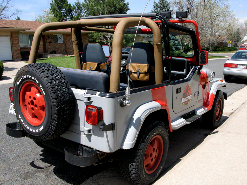 Jeep 18 With A Whip Antenna Jurassic Jeep 65 Million