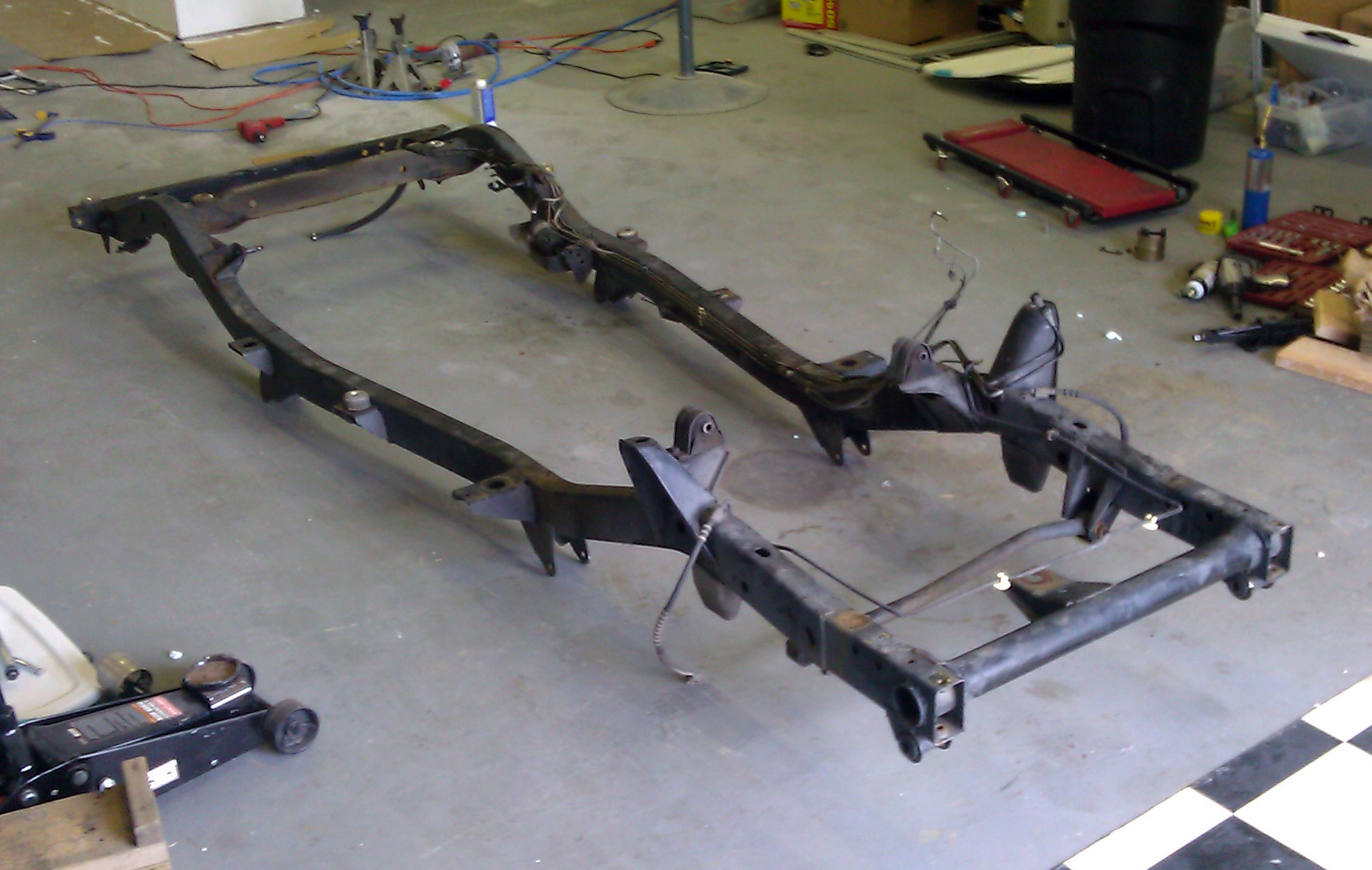 Auto Rust Jeep Frame Parts on 2003 toyota tundra frame rust
